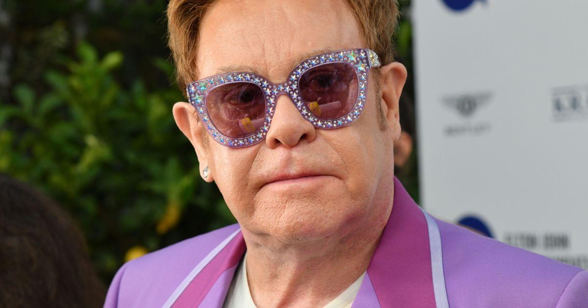 """""""La douleur empire"""" : Elton John bientôt opéré, sa tournée repoussée"""