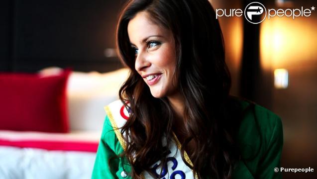Malika Ménard lors de l'interview accordée à Purepeople.com à Paris, le 8 décembre 2009