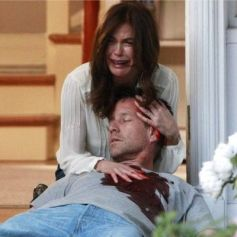 """Teri Hatcher et James Denton dans la série """"Desperate Housewives""""."""