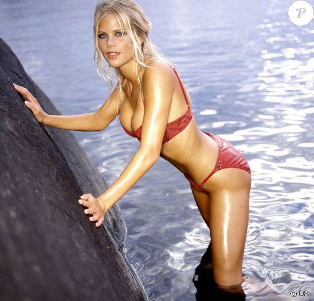 La très belle Elin Nordegren, femme de Tiger Woods, à l'époque où elle était mannequin...