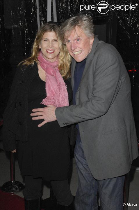 Gary Busey et sa femme posent sur le tapis rouge du film Crazy Heart en décembre 2009