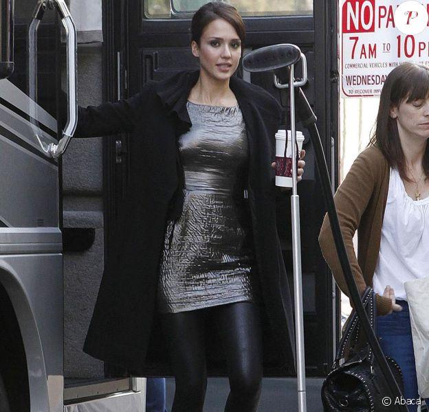 Jessica Alba sur le tournage de la prochaine publicité Revlon dont elle est l'égérie. Le 10/12/09 à Los Angeles