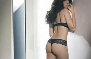 Manuela Arcuri : Admirez les charmes et... le fessier qui ont créé la polémique en Italie !