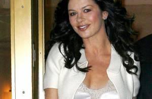 Catherine Zeta-Jones : Pour sa première à Broadway, elle mise sur le glamour et le diamant... Magnifique !