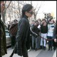 """""""Bill Kaulitz de Tokio hotel fait son entrée au Plaza Athénée à Paris, le 14 décembre 2009."""""""