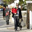 Gwen Stefani en famille à Londres le 19/12/09