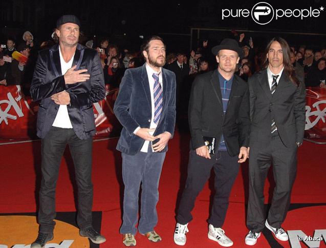 Les Red Hot Chili Peppers se séparent de leur guitariste. Triste nouvelle pour les fans du groupe.
