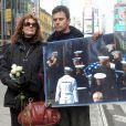 Susan Sarandon apporte son soutien à un militant contre la guerre en Irak en mars 2007