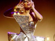 Lady Gaga : Regardez-la fondre en larmes sur scène !