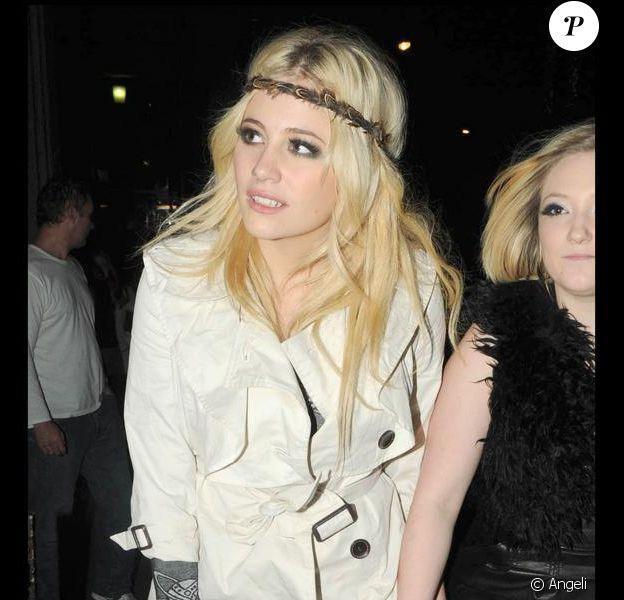 Pixie Lott à Londres, le 28 décembre 2009