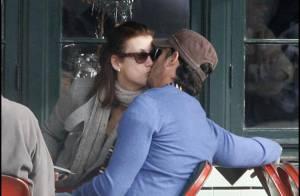 Kate Walsh : Avec son chéri, l'année 2009 s'est achevée... en baisers fougueux !