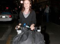 Juliette Lewis : Ses valises débordent de fringues... pourtant elle ne quitte plus son pantalon fétiche, en cuir ! Rock'n'roll !