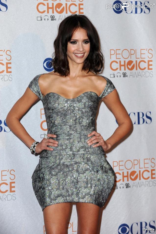 Jessica Alba sublime en Antonio Berardi aux People's Choice Awards à Los Angeles le 6 janvier 2010