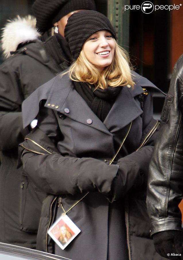 Blake Lively sur le tournage de Gossip Girl, toujours dans la même tenue le 11 janvier 2009 à New York