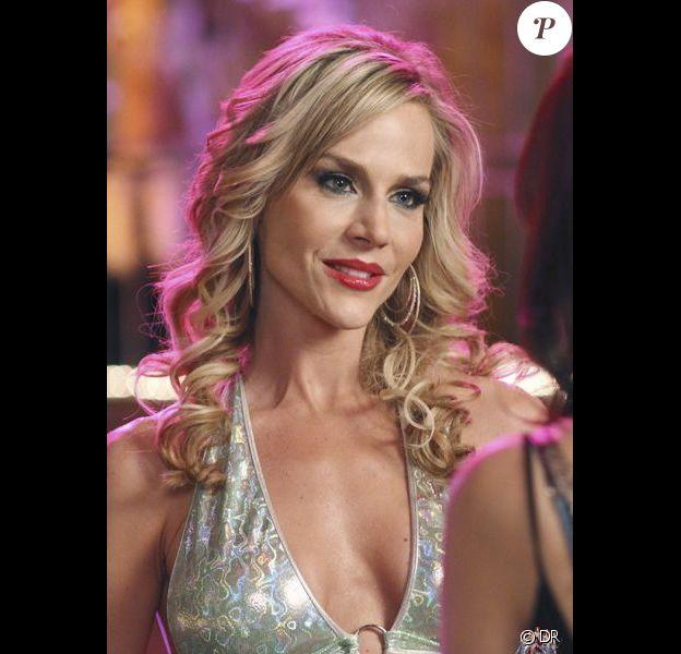 Julie Benz dans la sixième saison de Desperate Housewives