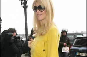 Claudia Schiffer : La future maman fait sensation à Paris avec ses nouvelles rondeurs !