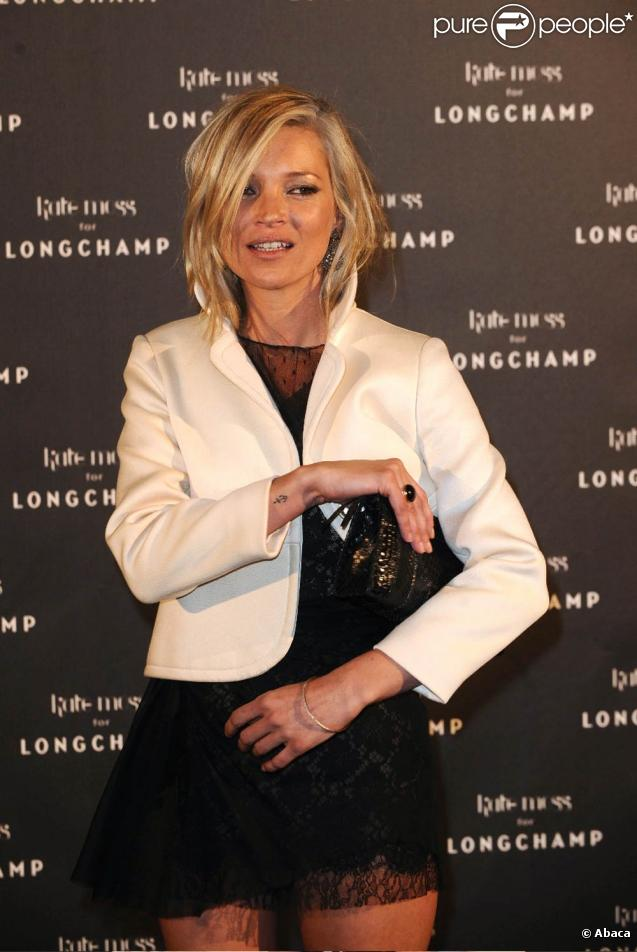 La superbe Kate Moss, à l'occasion de la soirée organisée en son honneur par la maison Longchamp, au Ritz Club de l'Hôtel Ritz, à Paris, le 27 janvier 2010.