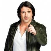 La Ferme Célébrités en Afrique : Regardez Grégory Basso découvrir les joies... de la douche froide !