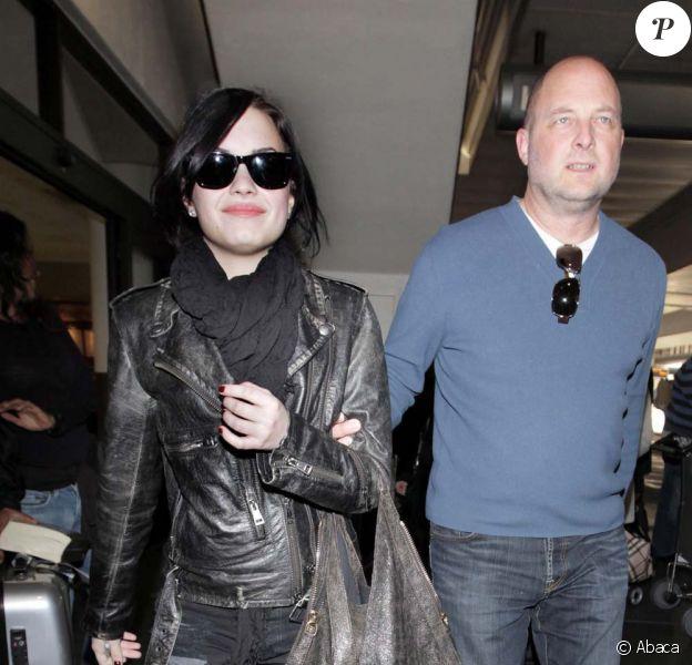 Demi Lovato, à l'aéroport LAX de Los Angeles, de retour de Londres, le 29 janvier 2010.