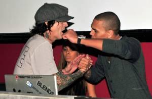 Pendant que Rihanna se pavane, Chris Brown s'éclate avec son nouveau meilleur ami... Tommy Lee !