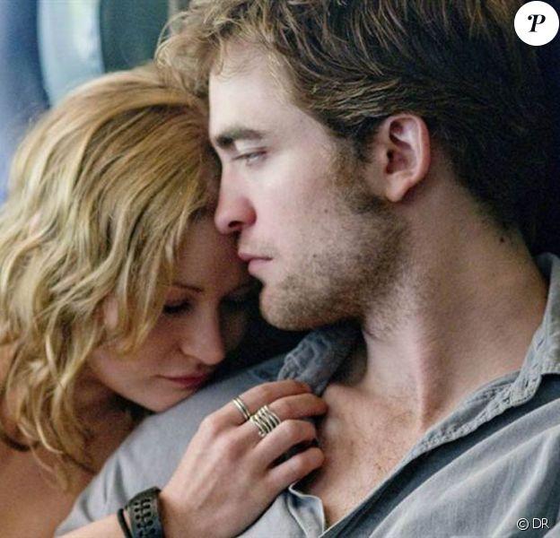 Des images de Remember me, avec Robert Pattinson et Emilie de Ravin.