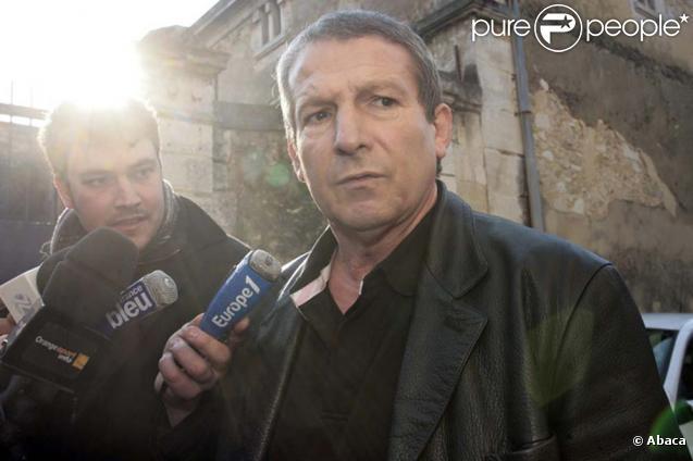 Roland courbis, méconnaissable à sa sortie de prison, à Villeneuve-lès-Maguelone, le 12 février 2010 !