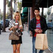 Shauna Sand : Après un fan, elle s'est trouvé un ami... mais ne lâche pas ses horribles chaussures !