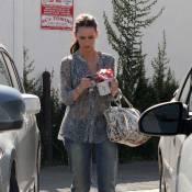 Jennifer Love Hewitt n'a que faire des voitures de luxe... Découvrez le petit bolide qu'elle s'est offert !