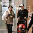 Nicole Richie et Joel Madden, même en promenade avec une poussette, ils ont le look !