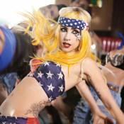 Lady Gaga et Beyoncé : Bien sonnées sur le visuel de leur duo Telephone !