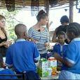 Jeudi 18/02/10 dans l'après-midi : Célyne et Kelly accueillent des écoliers sud-africains dans leur ferme