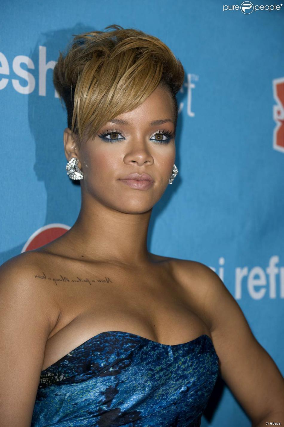 Rihanna la nouvelle rihanna s 39 affirme coupe courte for Coupe de cheveux de rihanna court