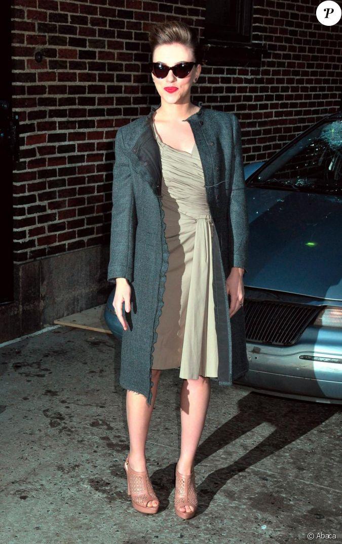 Scarlett Johansson a ressorti ses lunettes Dior et son ...