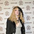Courtney Love toujours aussi déjantée lors de la soirée Roberto Cavalli à Milan à l'occasion de la Fashion Week le 28 février 2010