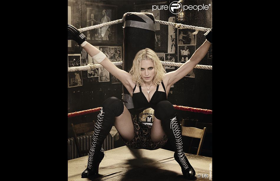 Boxeuse Sexy madonna en boxeuse sexy pour le magazine interview - purepeople