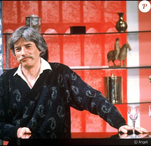 """Jean Ferrat, l'Ardéchois, l'humaniste, le poète révolté, est décédé samedi 13 mars 2010. """"Sa"""" France est bouleversée, et son village d'Antraigues le veillera pour l'éternité après ses obsèques mardi 16 mars..."""