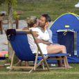 Kate Winslet et Sam Mendes, en amoureux, seuls au monde. Italie, septembre 2004