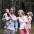 Kate Winslet et Sam Mendes, en Italie, avec les enfants. 2004