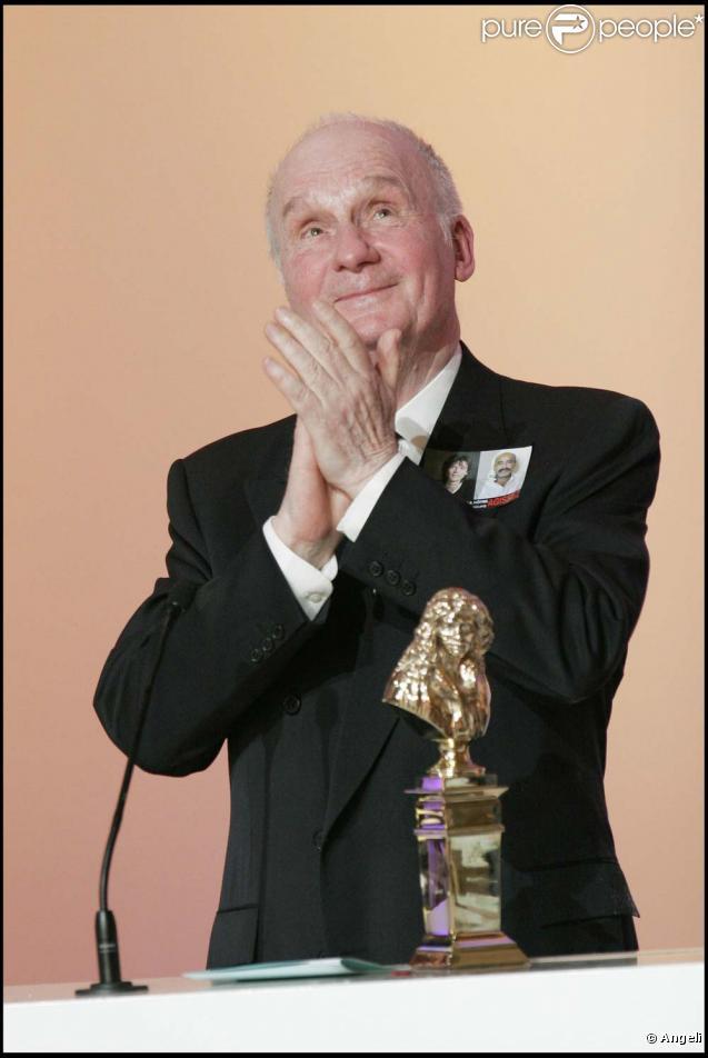 Michel Bouquet reçoit le Molière du meilleur acteur pour  Le roi se meurt , le 9 mai 2005 !
