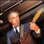Gérard Holtz a encore la guitare qui le démange !