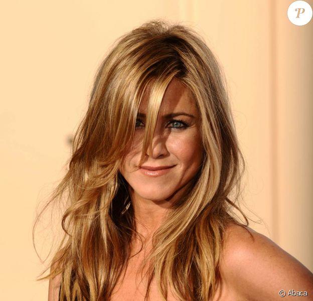 La ravissante Jennifer Aniston sur tapis rouge...