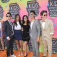 Joe et Kevin, des Jonas Brothers, venus aux Kids' Choice Awards 2010, avec leurs moitiés.