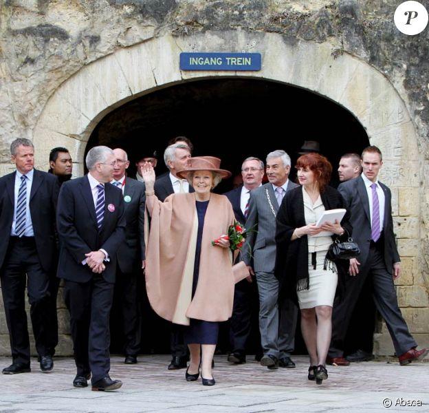 La reine Beatrix des Pays-Bas a célébré le 125e anniversaire de VVV avec André Rieu, le 26 mars 2010