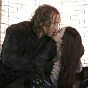 Regardez la sublime Monica Bellucci, littéralement ensorcelée par Nicolas Cage !