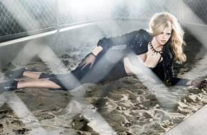 Lara Stone revient encore plus sensuelle ! Décidément, elle n'a que faire de son mariage !