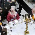 Margrethe de Danemark, complice malgré elle d'un tour de magie jambonnesque de Rune Klan, le 13 avril 2010 !