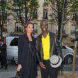 Karine Le Marchand et son compagnon Lilian Thuram lors du gala d'Amnesty International France, ''musique contre l'oubli'', au théâtre des Champs-Elysées à Paris le 16 avril 2010