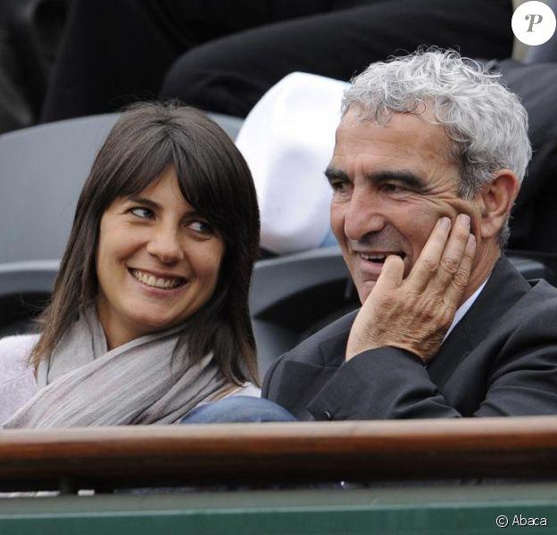 Estelle Denis s'exprime, dans Paris Match, au sujet de son chéri, Raymond Domenech.