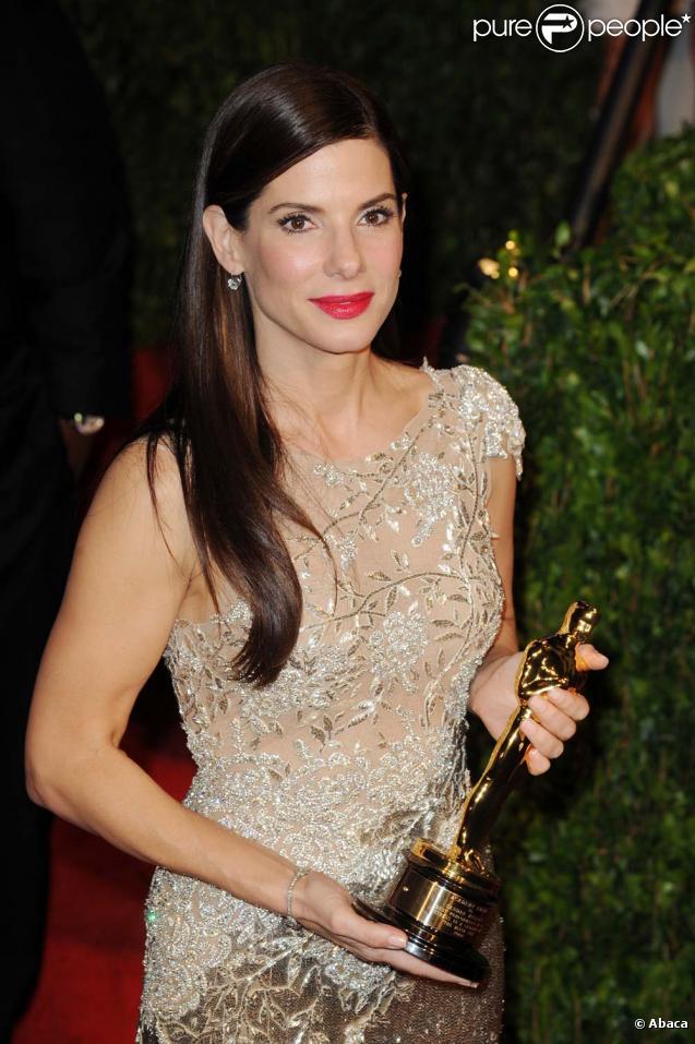 Sandra Bullock reçoit l'oscar de la meilleure actrice à Los Angeles, le 8 mars 2010 !