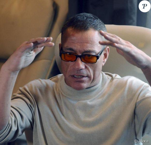 Jean-Claude Van Damme se prépare à combattre sur un ring de boxe lors du  Budo Gala de Bâle, les 28 et 29 mai 2010.